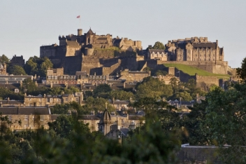 edinburgh-castle_352x234