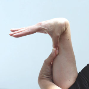 Hypermobility wrist extension